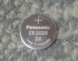 デミオのコイン型電池CR2025