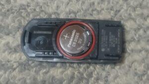 デミオのキーの中の電池